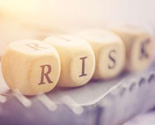 risk spelled using four die